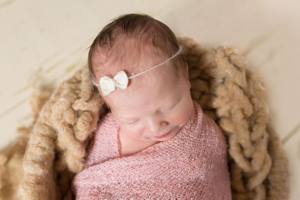 mareike wiesner photography neugeborenenshooting ava louisa 002 - Neugeborenenshooting Gifhorn - kleine Prinzessin