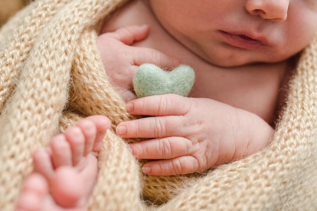 mareike wiesner photography neugeborenenshooting boy wolfsburg 002 - Neugeborenenshooting Wolfsburg - so ein süßes Kerlchen