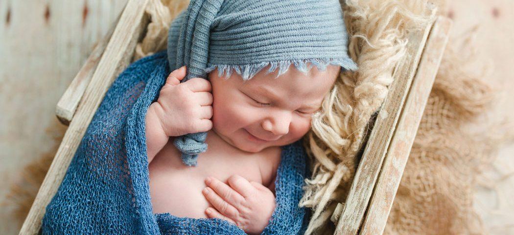 mareike wiesner photography neugeborenenshooting boy wolfsburg 007 1050x480 - Neugeborenenshooting Wolfsburg - so ein süßes Kerlchen