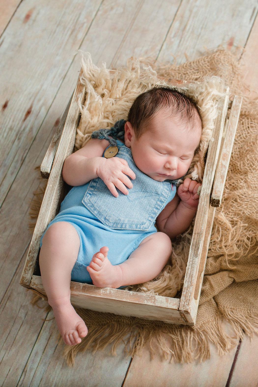 mareike wiesner photography neugeborenenshooting boy wolfsburg 012 - Neugeborenenshooting Wolfsburg - so ein süßes Kerlchen