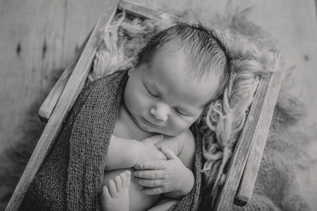 mareike wiesner photography neugeborenenshooting boy wolfsburg 014 - Neugeborenenshooting Wolfsburg - so ein süßes Kerlchen