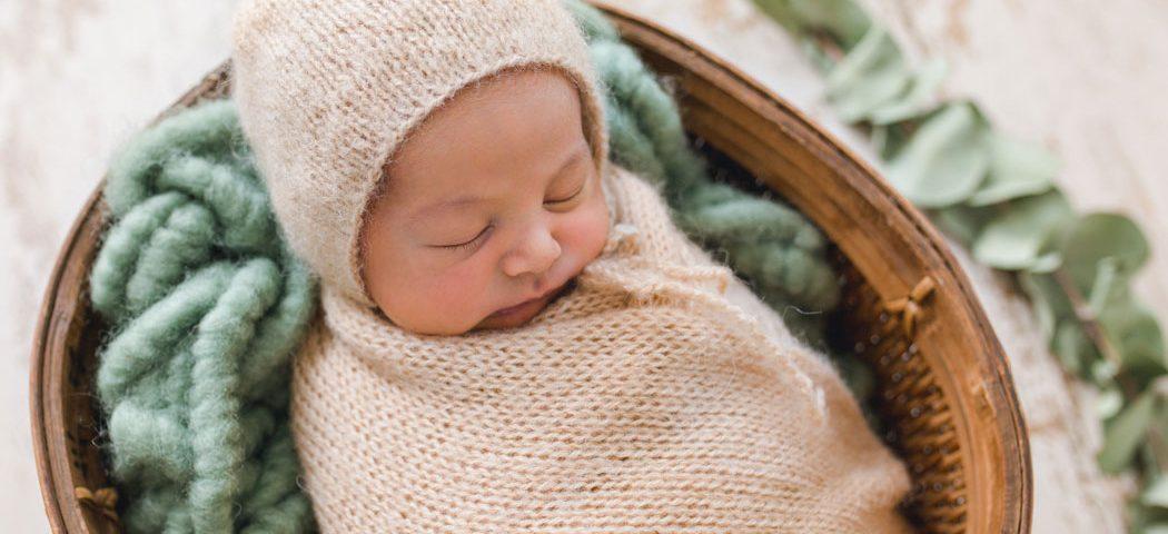 mareike wiesner photography neugeborenenshooting boy gifhorn 3 1050x480 - Neugeborenenshooting Gifhorn - mit einem Hauch von Eukalyptus