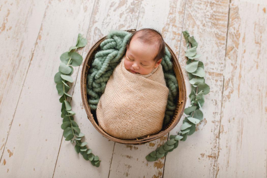 mareike wiesner photography neugeborenenshooting boy wolfsburg 2 001 - Neugeborenenshooting Gifhorn - mit einem Hauch von Eukalyptus