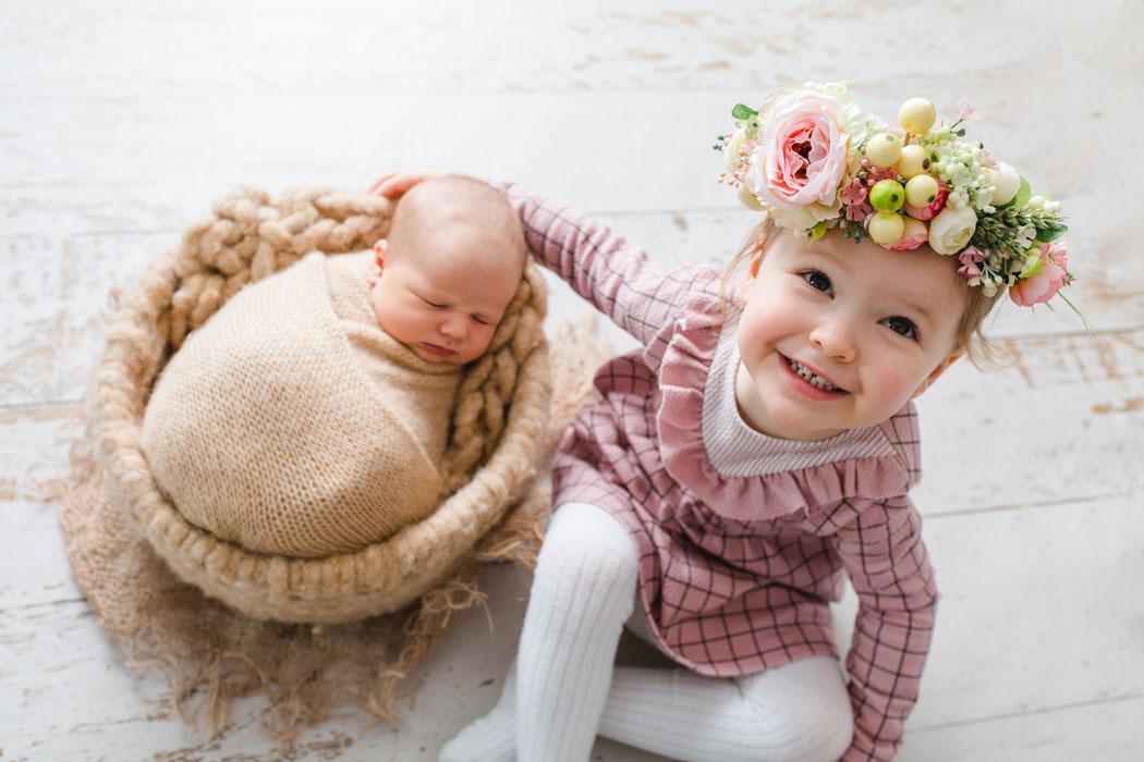 mareike wiesner photography neugeborenenshooting boy  geschwisterkind wolfsburg 012 - Neugeborene